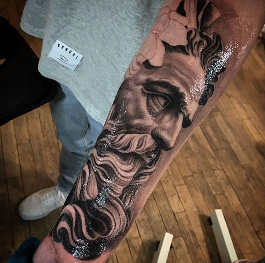 Phil szlosek tattoo artist at kings avenue tattoo new york for Best tattoo artists in nyc 2017